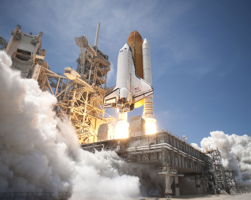 how much does space shuttle atlantis weigh - photo #1
