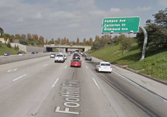 how to read freeway signs